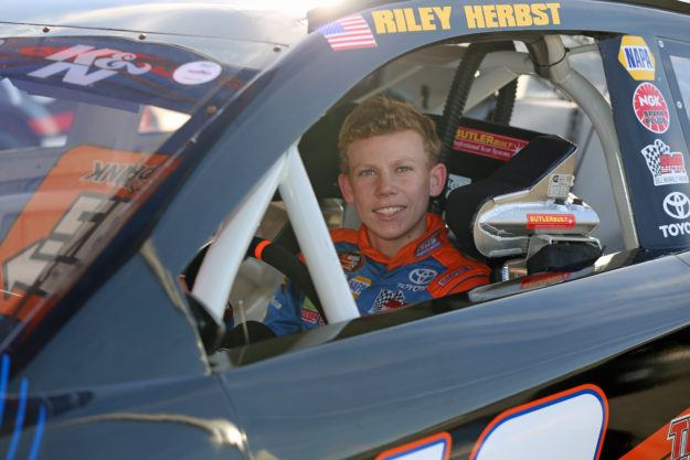 K&N West Returns To Orange Show Speedway